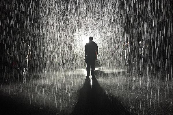 Rain-Room-1.jpg